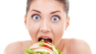 Comer escondido não emagrece