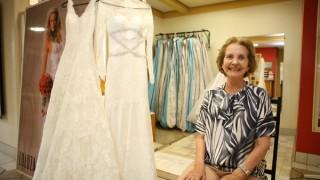 Proprietária de ateliê, Luluza Cardoso expõe seu amor pela costura